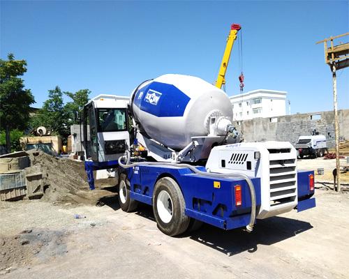 self loader concrete mixers